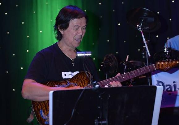 guitarist Trung Nghĩa