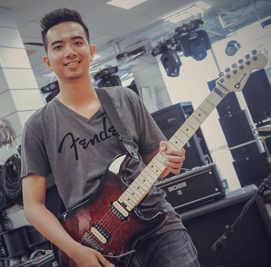 day dan guitar dien -Phuc Rocky 2